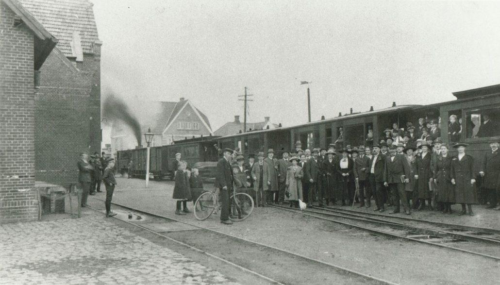 Banegården - 1899-1932, Fotograf, Ukendt - Foto - Christiansfeld Lokalhistorisk Arkiv og Forening